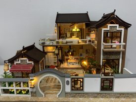 How to make up your mind between model house kits and completed dollhouses