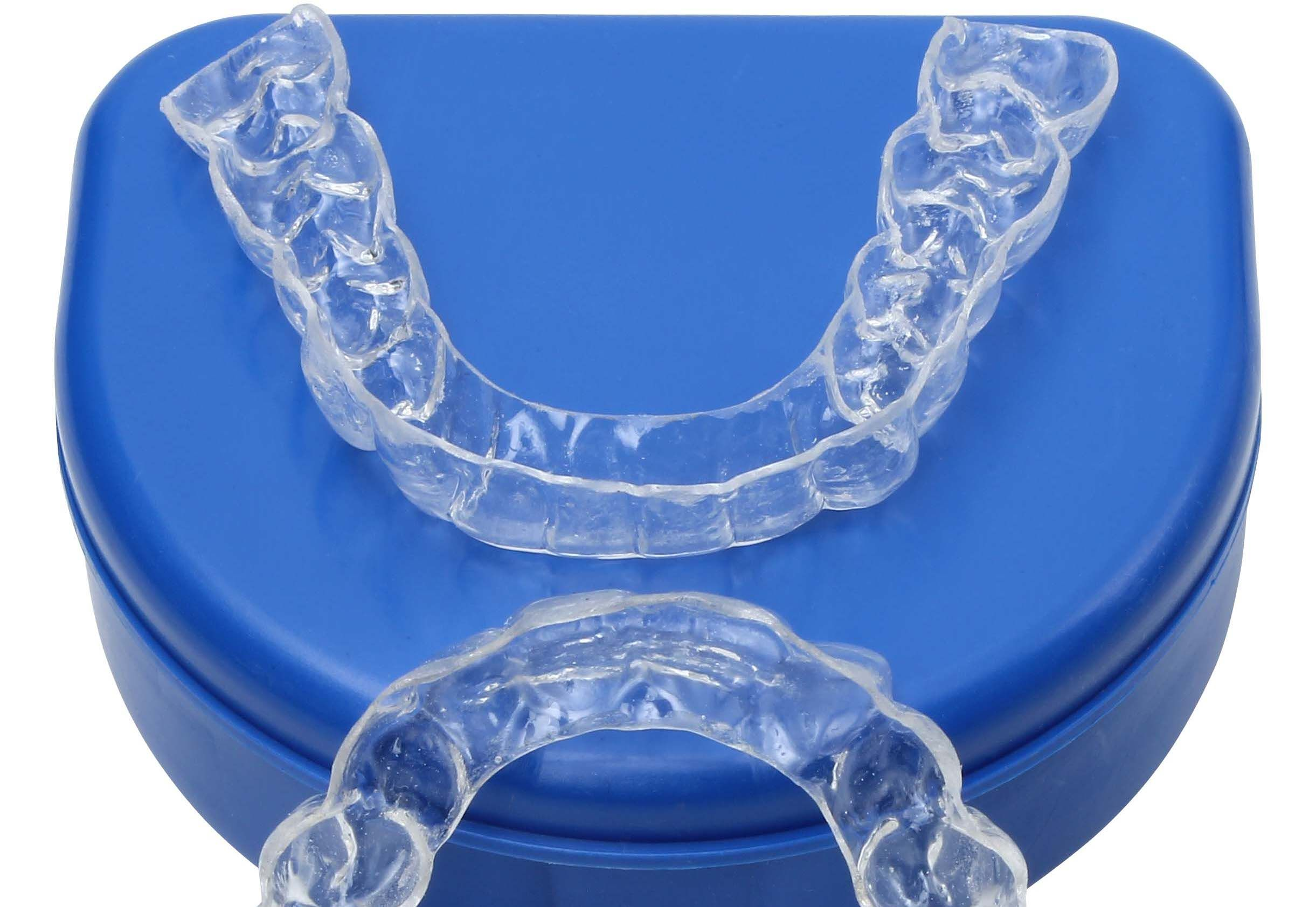 Retainers- Different Types and Tips To Clean The Retainers